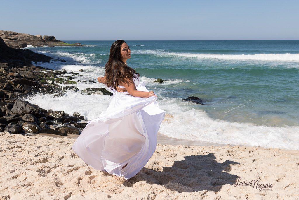 Ensaio fotográfico feminino na Prainha, praia do Rio de Janeiro